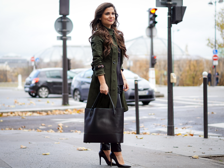 Life in Paris shopping green trench and black bag