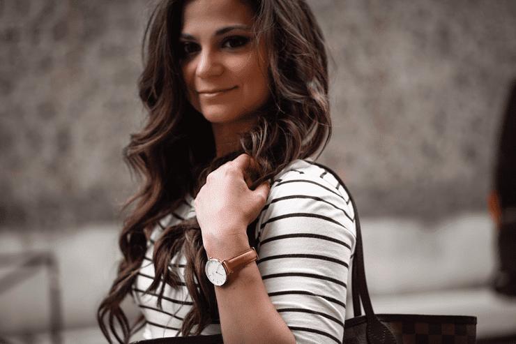 Petite in paris fashion blogger