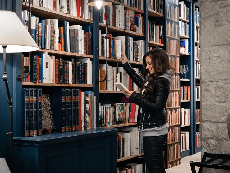 Paris Boutik library hotel in Paris
