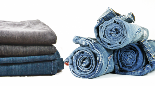 how to roll your clothes when traveling