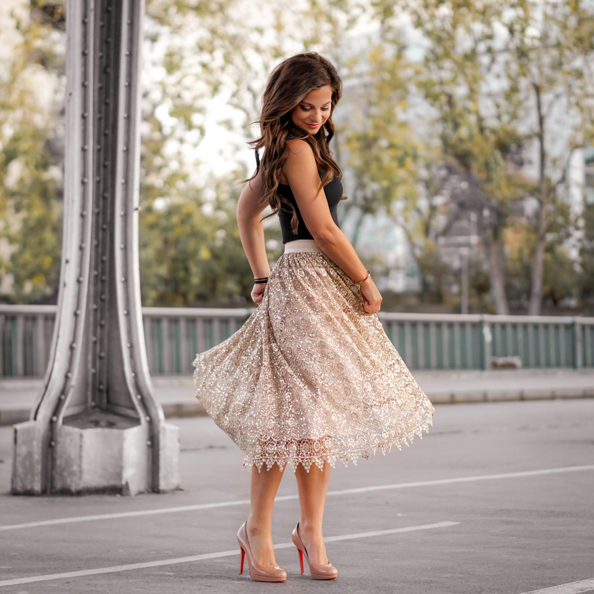 Petite in Paris twirls in Paris France paris fashion blogger