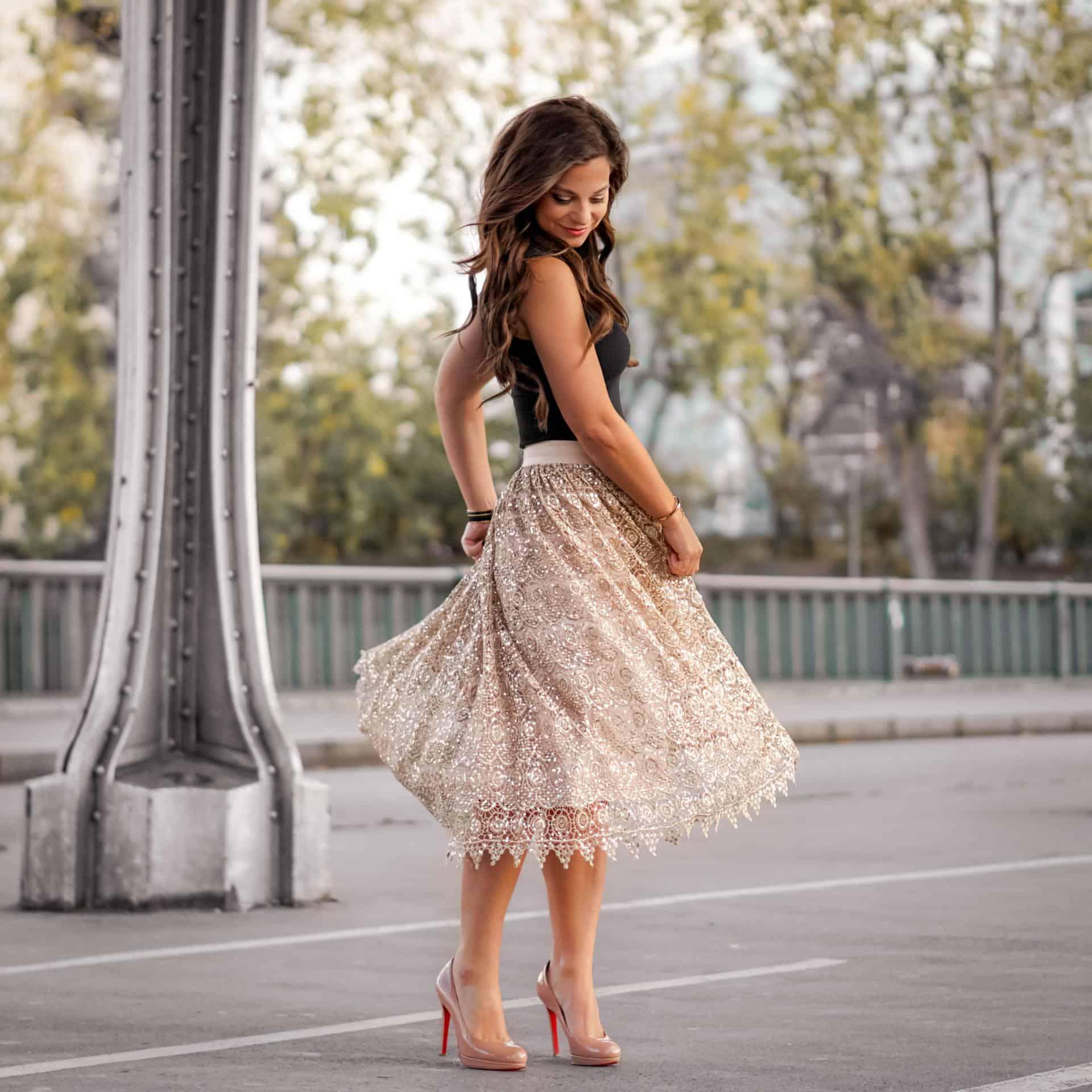Petite in Paris twirls in Paris France paris fashion blogger