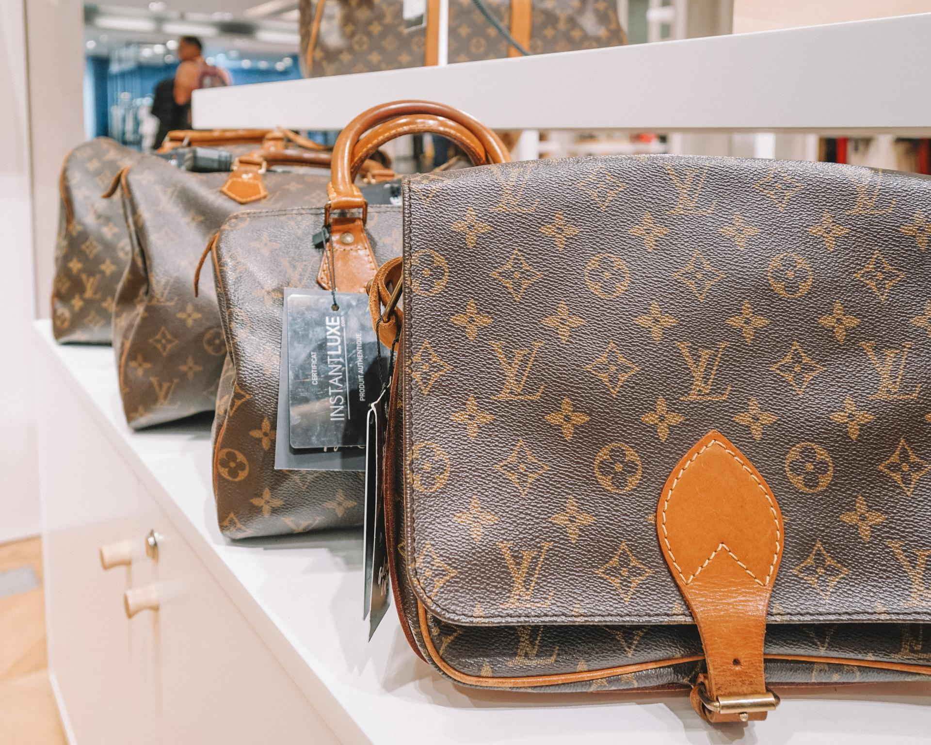 buying designer bags in Paris at a discount