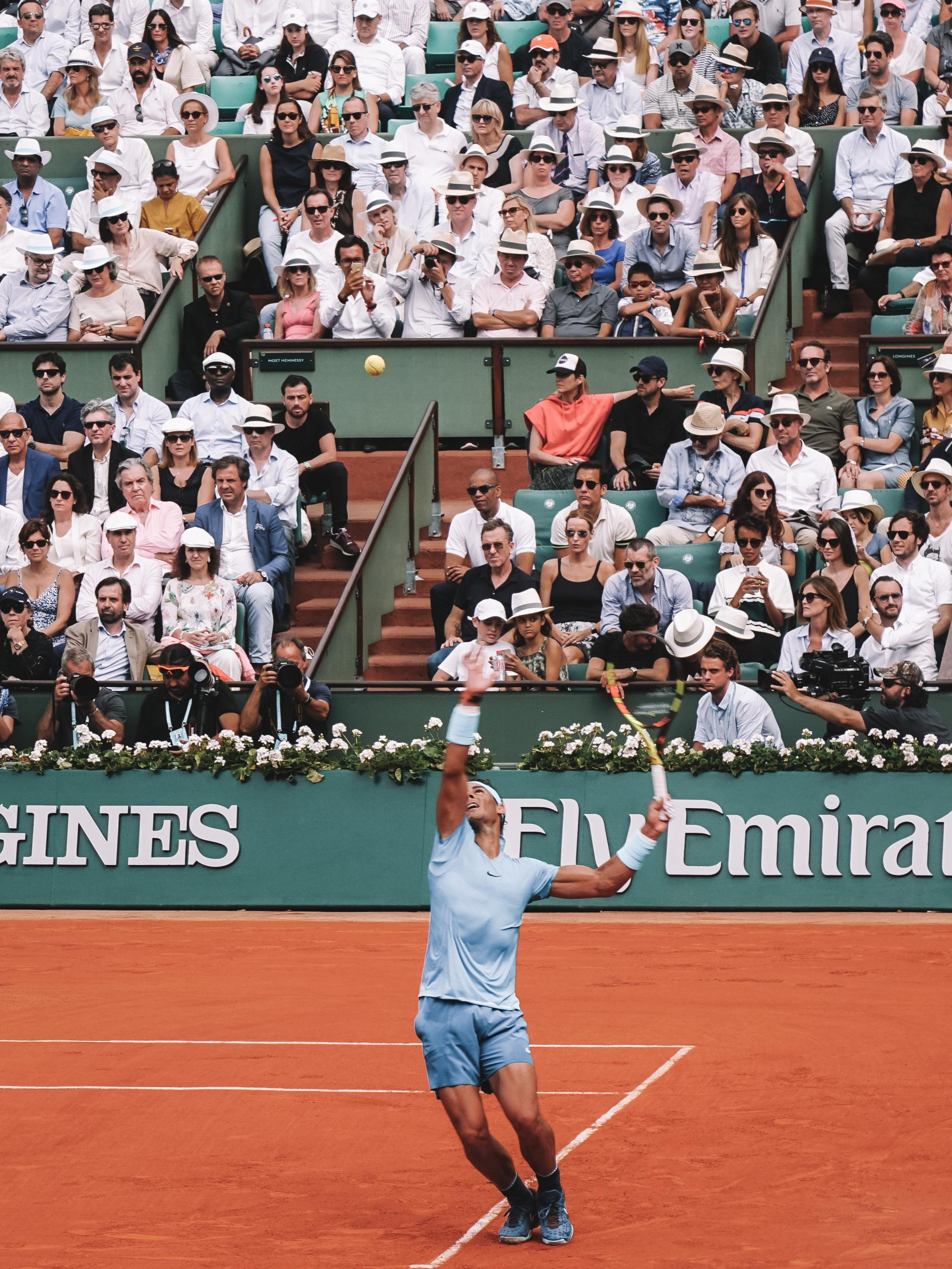 Nadal serves the ball during the french open 2018