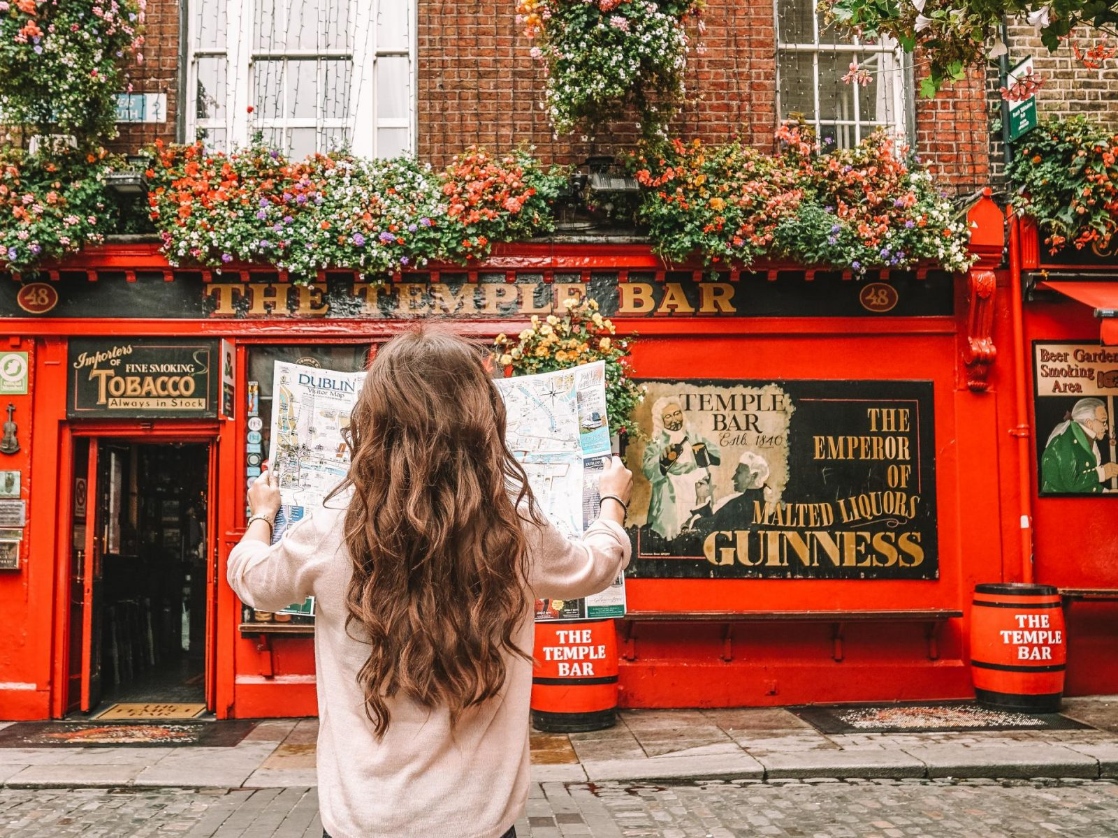 Why is the Temple Bar Famous & What is the Best Day and Time to go to The Temple Bar in Dublin