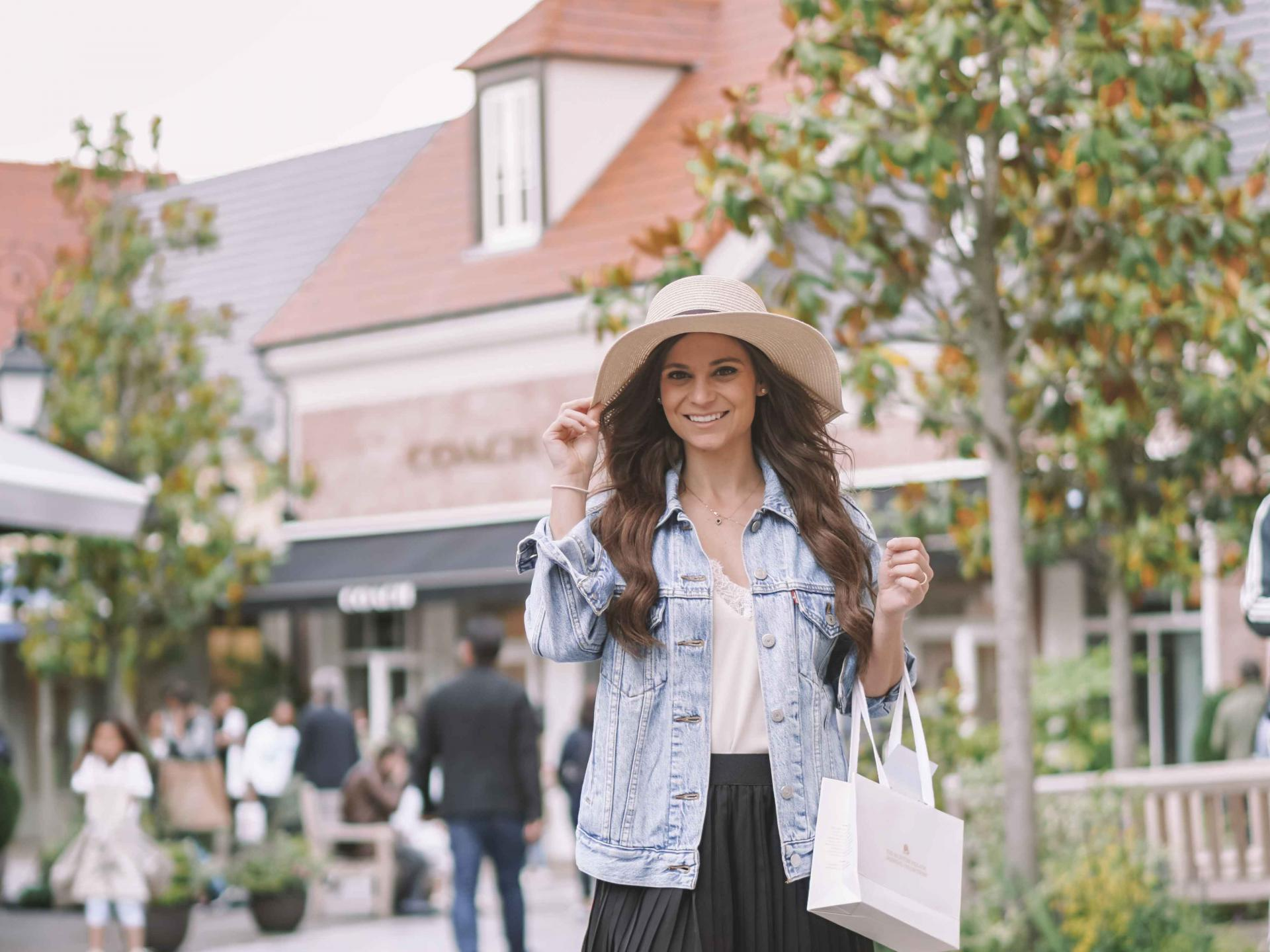 is la vallee village outlets worth visiting