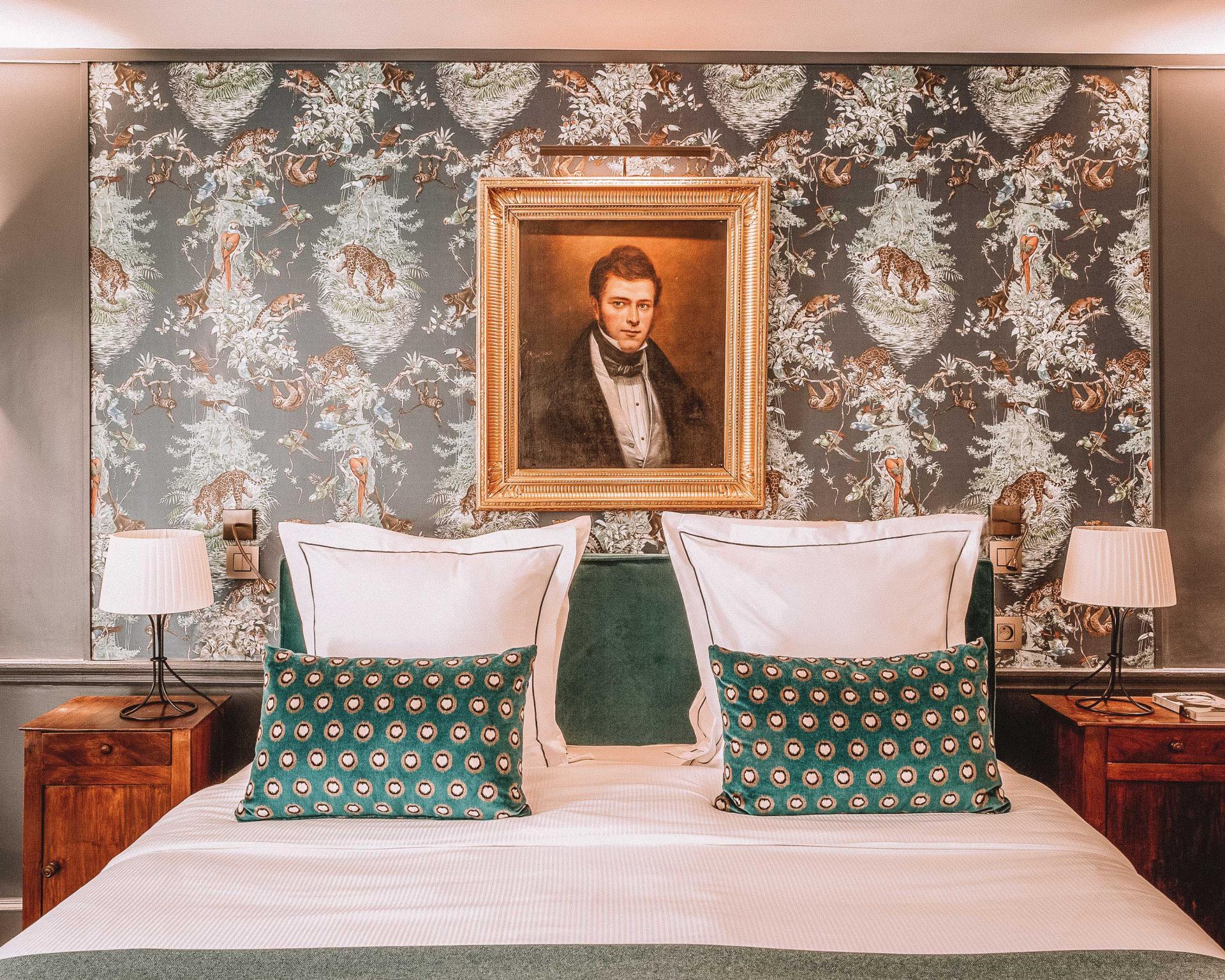 Hotel Mansart romantic hotel in paris