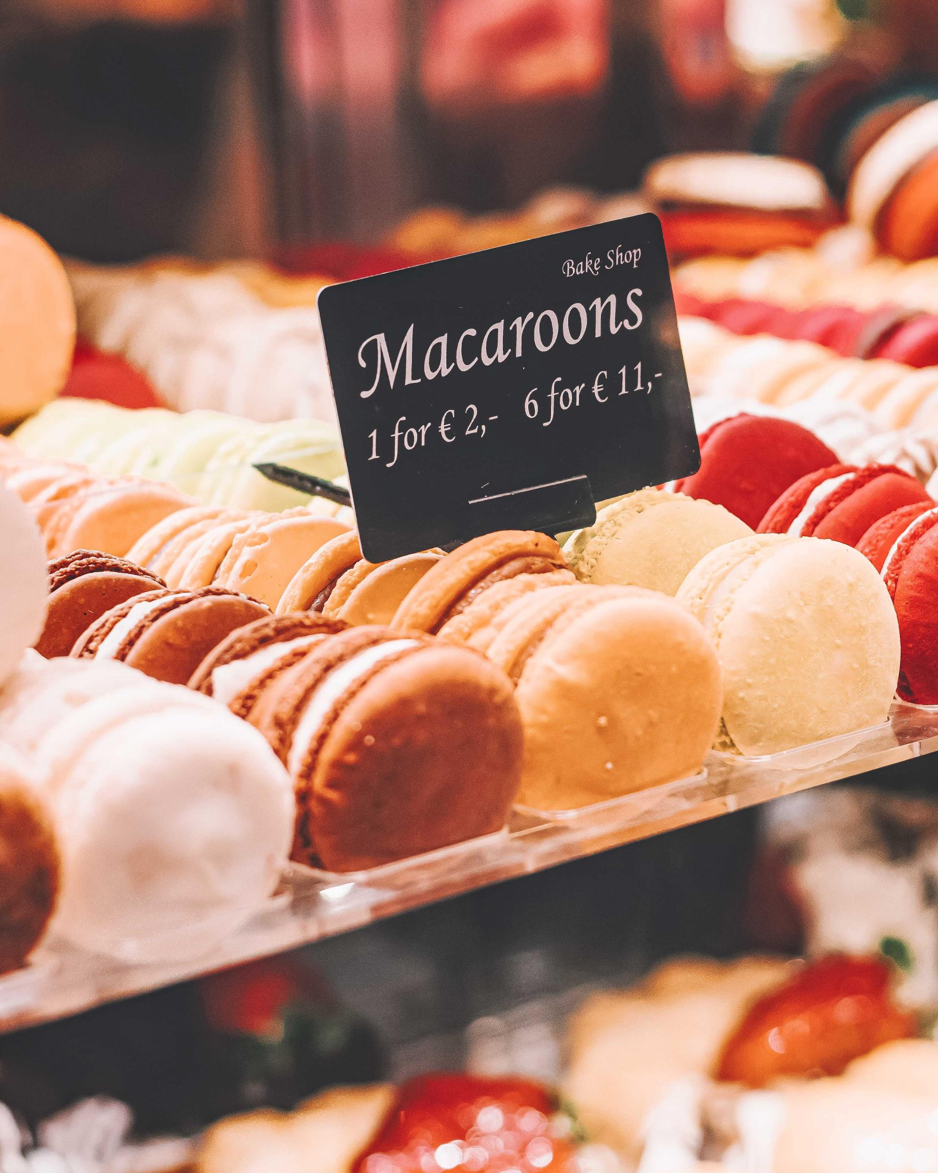 where to buy cheap macarons in paris