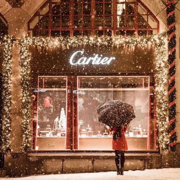window shopping at cartier petite in paris