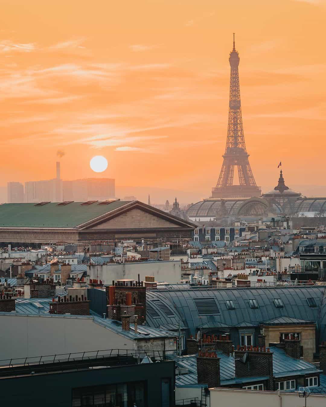 Sunset photo in Paris