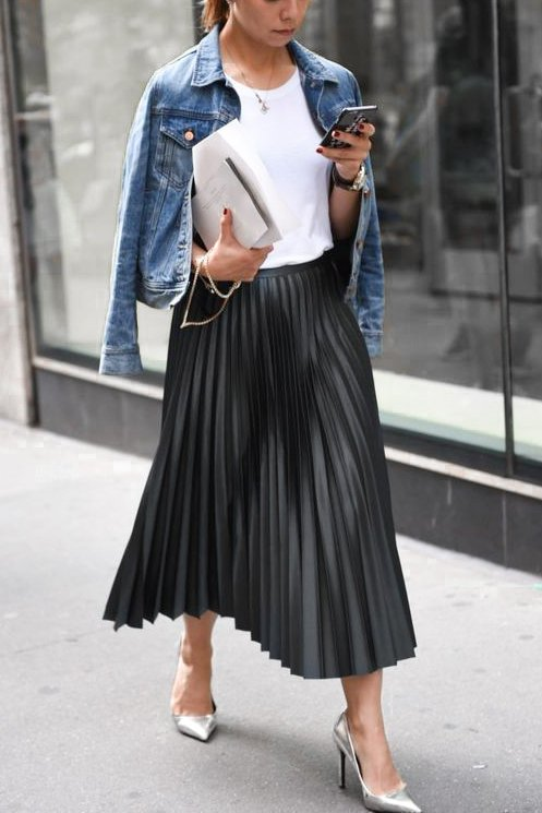 Black pleated skirt styled petite in paris