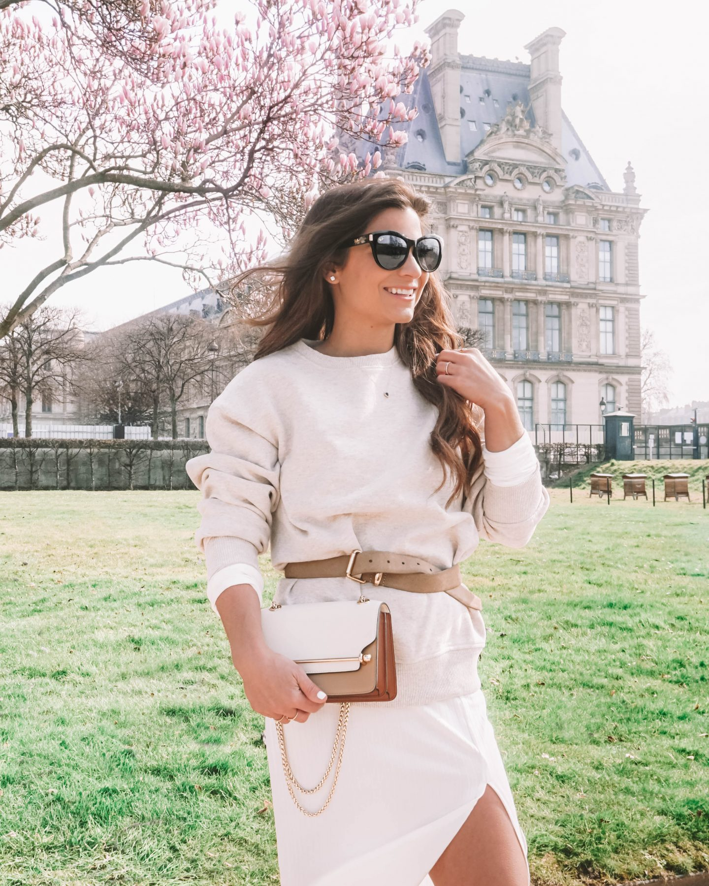 How to style a sweatshirt and look chic