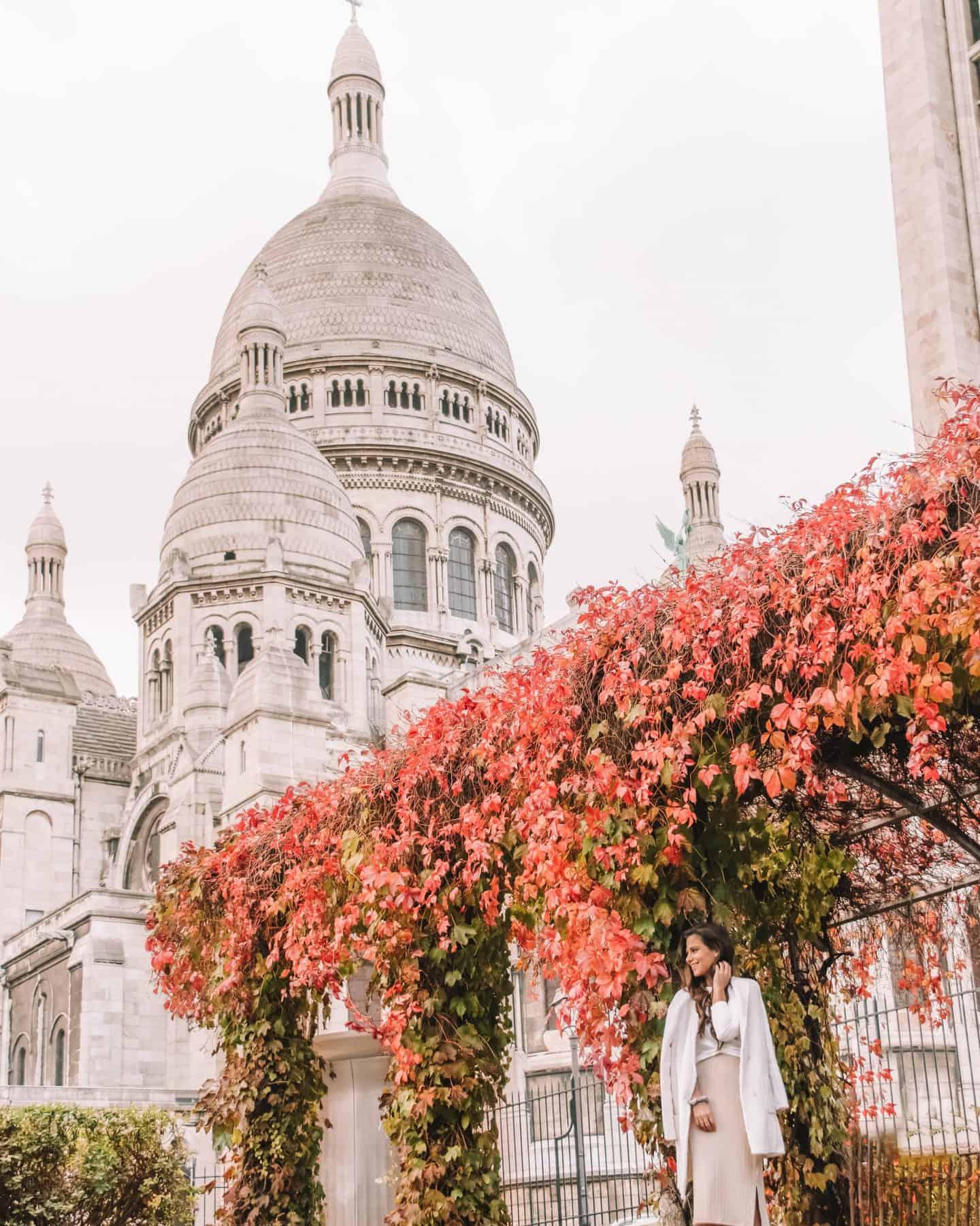 Paris fashion blogger spring neutral outfit