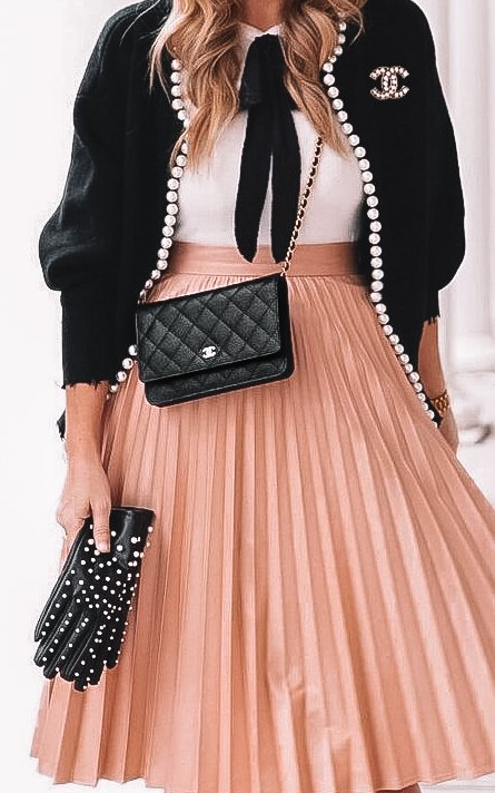 Chanel outfit Chanel Black WOC