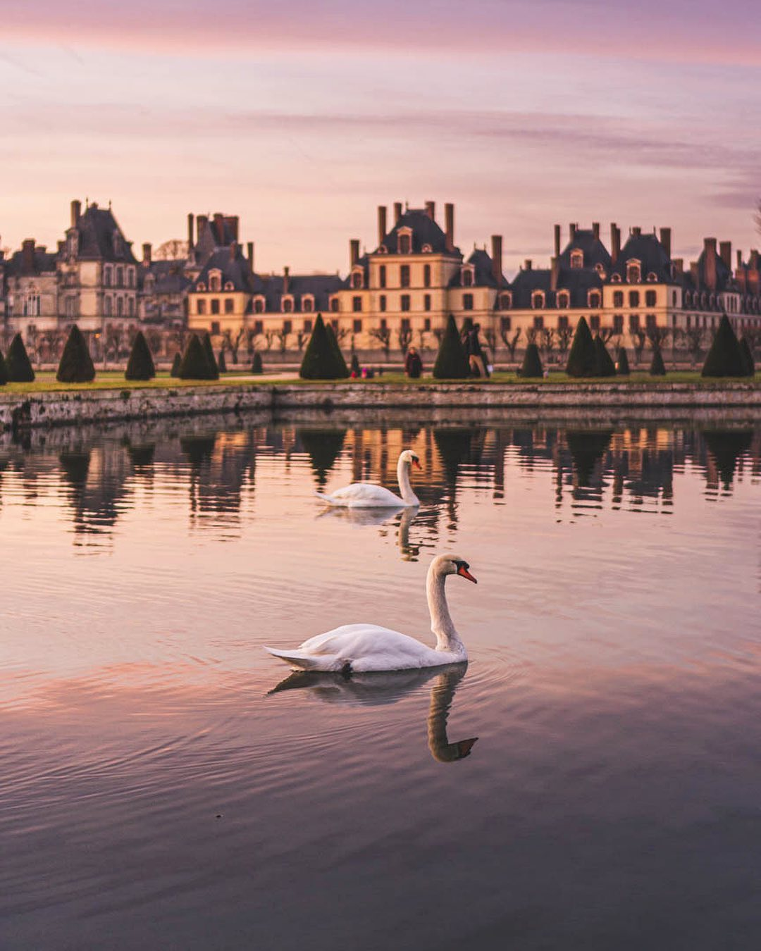 Is Fontainebleau France worth visiting