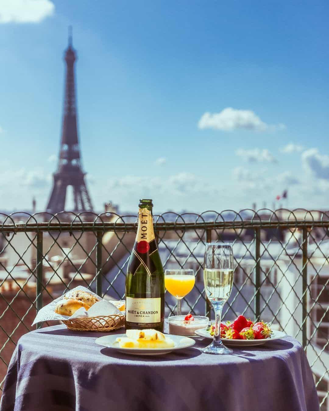 Hidden spot in Paris