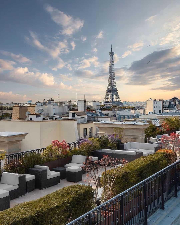 Peninsula hotel Rooftop Bar photo