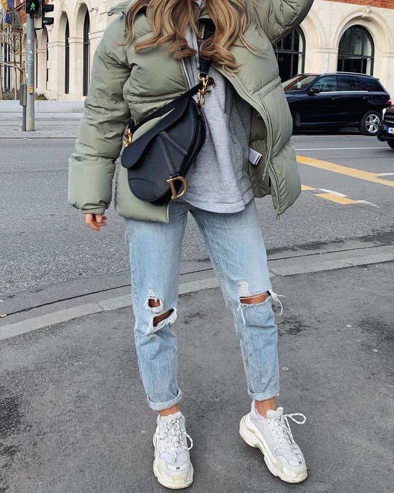 Black Dior Saddle handbag outfit